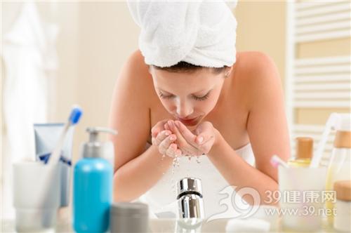 青年 女 洗脸 美容 护肤 水龙头 毛巾 浴室 卫生间_14961844_xxl