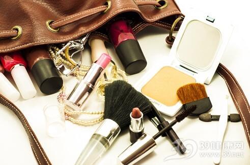 护肤品化妆品成套使用效果更好?
