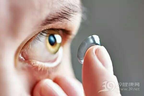 隐形眼镜乱戴当心失明!日常佩戴注意这几点