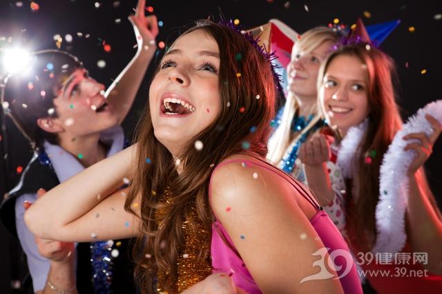 青年 女 聚会 派对 朋友 庆祝 圣诞节_14695879_xxl