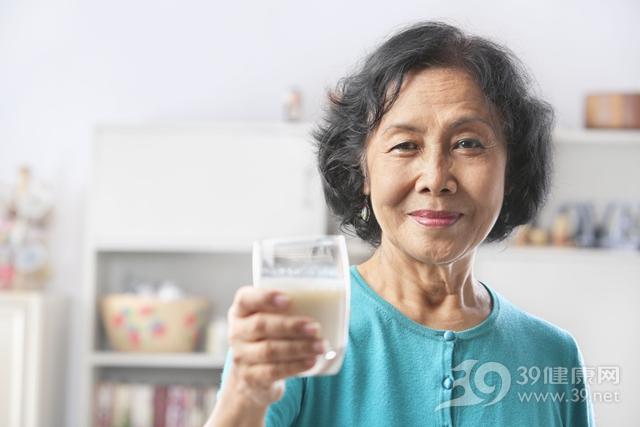 中老年 女 牛奶 玻璃杯_6264360_xxl