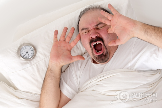 中老年 男 失眠 睡眠 闹钟 床_24911745_xxl