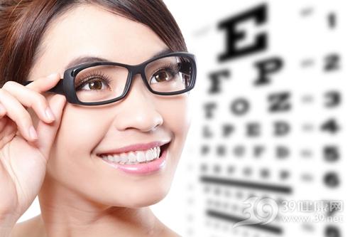 青年 女 视力 近视 眼镜_18969659_xxl