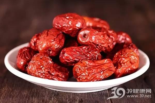 吃红枣能补血?4种女性慎吃