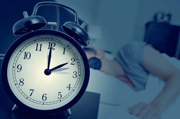 夜猫子近一半是00后 睡得少死得早是真的该咋办