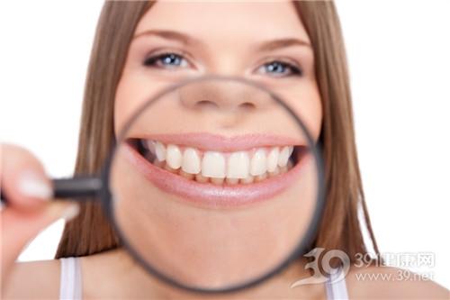 青年 女 牙齿 放大镜 牙齿美白_10274992_xxl