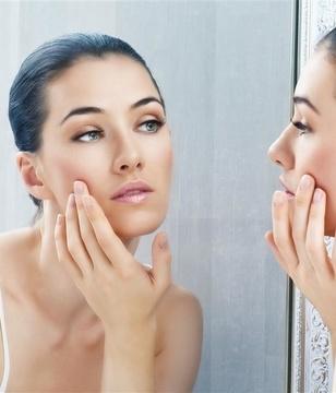青年-女-护肤-美容-化妆-照镜子_22935659_xxl