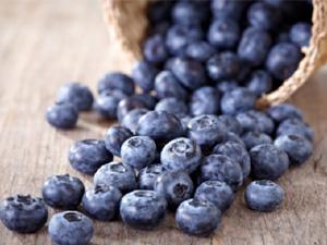 购买蓝莓最好挑选有白雾的