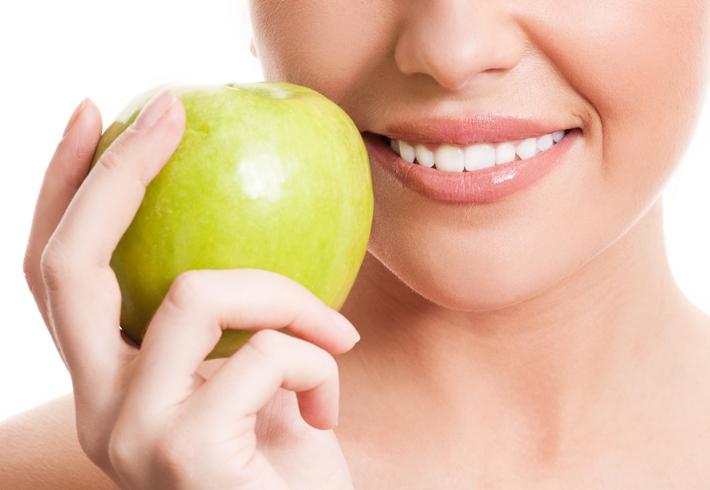 青年 女 牙齿 苹果_13895712_xxl
