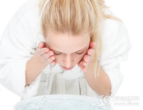 常用白醋洗脸有4大美肤功效