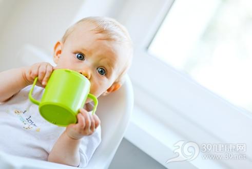 给孩子喝水要注意3个要点