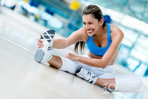 女人运动健身时千万别穿这种裤子