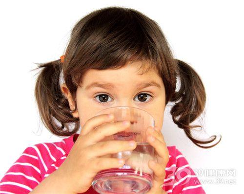孩子 女 喝水 水杯_9531544_xxl