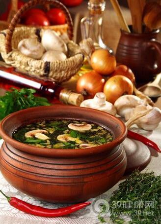 女性月经量少多喝4种汤