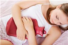 青年 女 生病 经期 痛经 腹痛 睡觉 暖水袋_28889226_xxl_副本