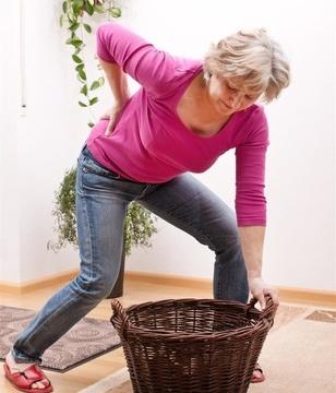 老年人的腰痛怎么办?三招可自疗