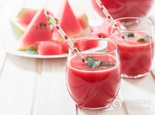 果汁喝太多易腹泻,孩子每天可以喝多少果汁?