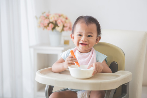 寶寶吃飯總弄得滿桌滿地?試試這種防漏神器