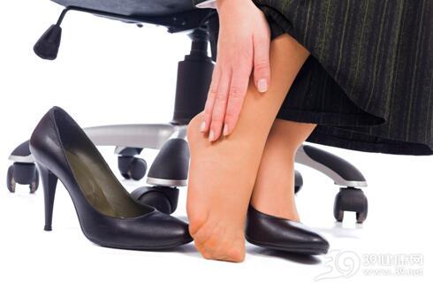 女性日常4个习惯最伤脚