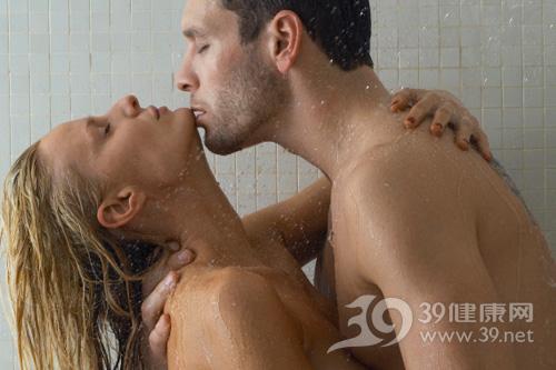 哪种性爱姿势让男人插得更深?