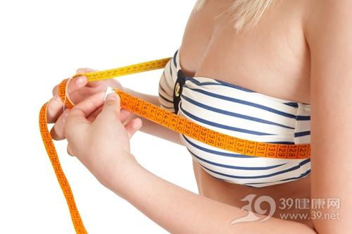 女人丰胸的方法 饮食+按摩