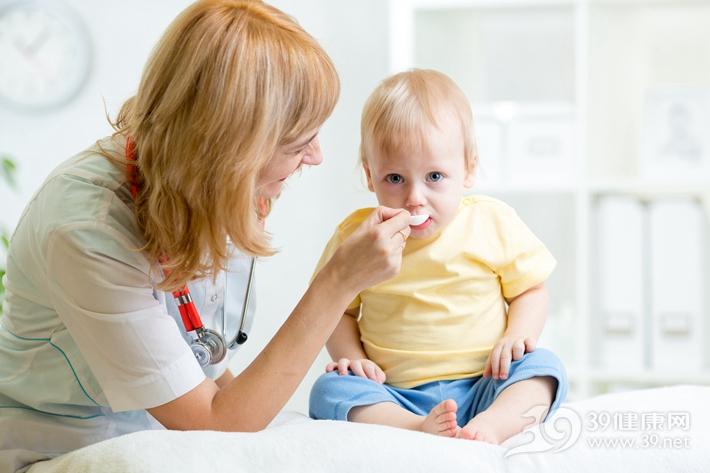 这些信号说明宝宝营养不均衡,赶紧调整饮食结构