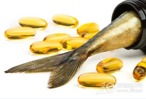 男人40岁后易缺钙,吃点鱼肝油有助补钙