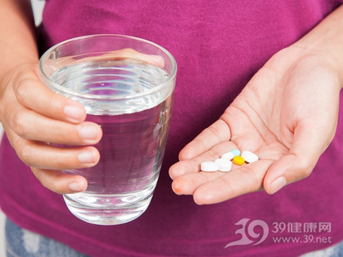药物 药片 吃药 水_30380199_xl