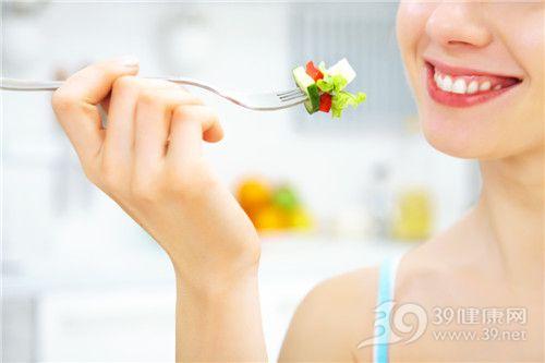 青年 女 沙拉 蔬菜 黄瓜 西红柿_10718740_xxl