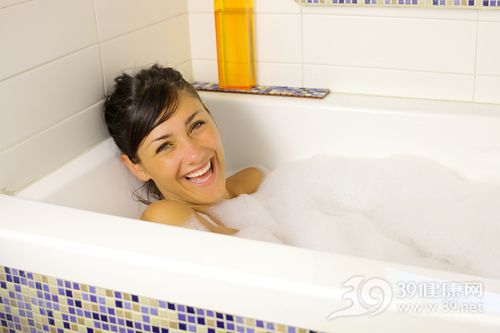 青年 女 洗澡 泡澡 浴缸 沐浴_29824188_xxl