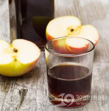女人吃点醋能促进消化抗衰老