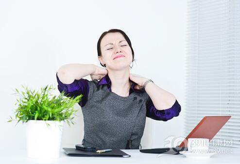 女性经常熬夜很伤卵巢