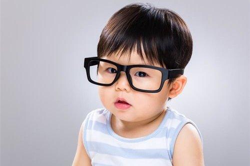 4个时期一定要带孩子检查眼睛