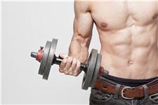男人四步簡單瑜伽練肌肉