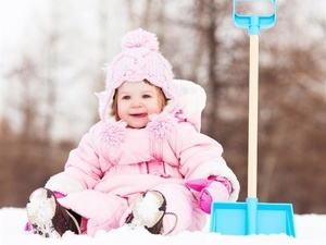 孩子冬季穿衣要注意这些安全细节