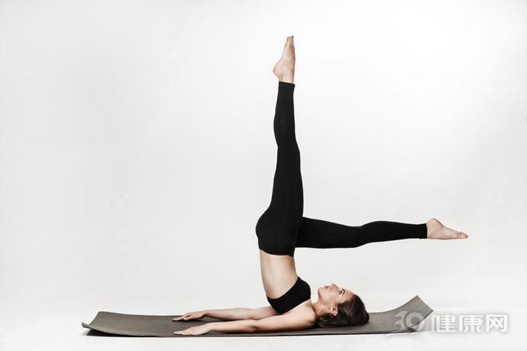 减肥运动,高效瘦腿:4个动作,打造笔直大长腿!