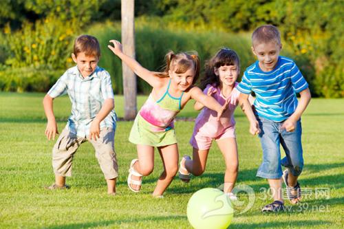 春季如何给孩子正确晒太阳?