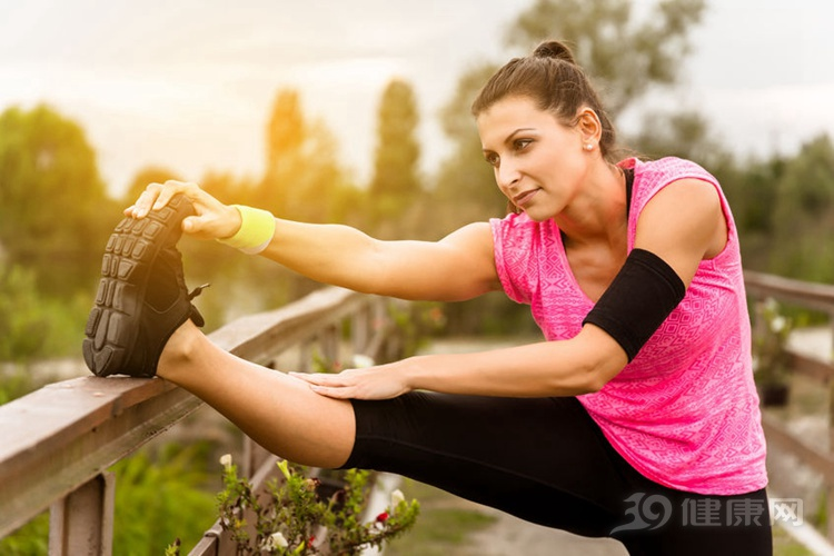 如果你想每月减少10公斤体重,你能跑步吗?首先做好这两件事的好处是显而易见的。