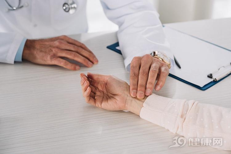 副主任医师:药酒确实可治风湿,但这几类人不宜喝!