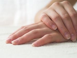 """指甲竖纹是""""大病""""的信号?不一定!这2种情况才是"""