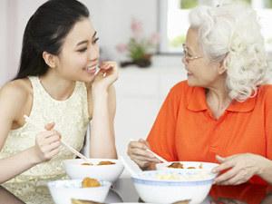 几点吃晚餐最好?吃太晚小心得胃癌