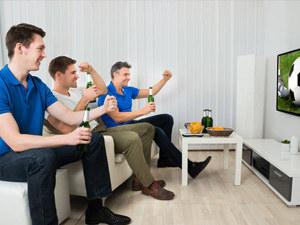 世界杯开赛啦,怎样才能看球陪娃两不误?