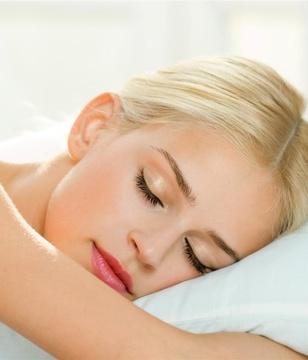"""睡前有""""四不做"""",能坚持一个月算你赢"""