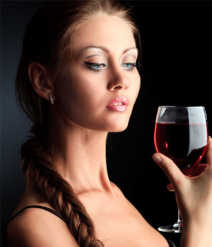 为什么有的人喝酒容易脸红?