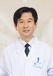 侯洪涛 副主任医师 中华中医学会会员 出身中医世家