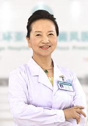 马晶 主任医师 毕业于中国医科大学 曾在国内知名医院进修学习 对皮肤科疾病有很深造诣
