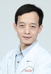 席会强 主任 毕业于山西医科大学中西医结合专业 从医十余年积累了丰富的临床经验