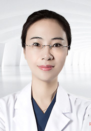 曹芳  整形外科副主任医师 中华医学会医学美容分会秘书 国际整形重建与美容外科学会(IPRAS)会员 中国医师协会美容与整形医师分会会员