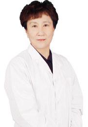 王丽丽 主任医师 西安雁塔华厦眼科医院院长 原任西安市第四医院副院长 西安市中心医院副院长、眼科主任、主任医师