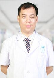 """廖良富 泌尿外科手术主任 20余年临床经验 有着""""完美一刀""""的称号 十分熟悉阴茎海绵体超微结构"""